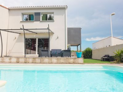 Photo for Comfortable house with private pool in perpignan