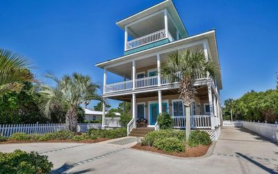 Photo for 'Stella di mare' a Luxury 5/5 w/ Pool, 1 block to beach.   Booking 2020-2021