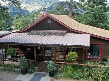 Private Ranch-Mountain Views; 2+ Acres; Hot Tub