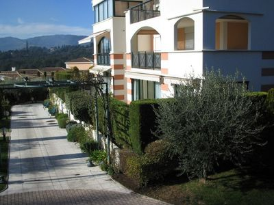 Photo for Splendid 3 bedroom apartment in Royal Mougins Golf Club with shared pool