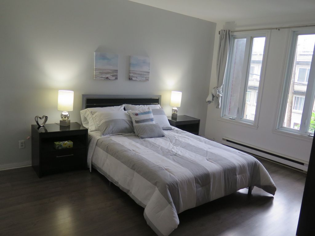 Hotels vacation rentals near st laurent montreal trip101 for Cabin rentals near montreal