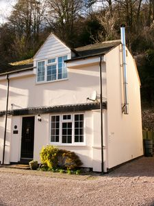 Photo for Picturesque Cottage In Symonds Yat - Dogs stay free + no charge for fire wood!