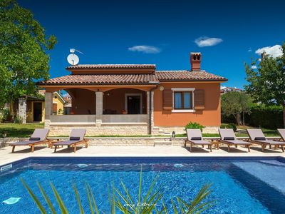 Photo for Charming villa near the sea with private pool