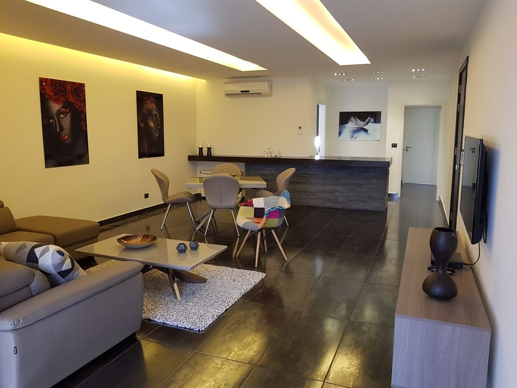 Modern apartment in the heart of Achrafieh