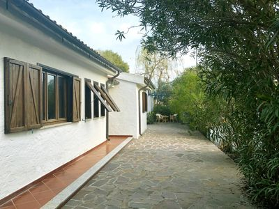 Photo for Villa Sea and Rocks. Villa with large garden 200 m from the sea