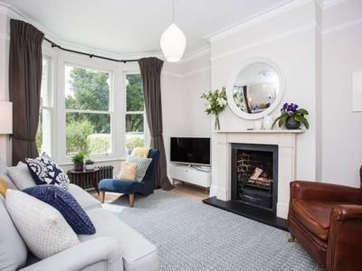 Photo for 1 Bedroom Flat In Wimbledon