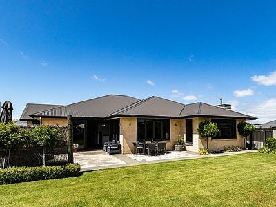 Photo for Pride of the South - Te Anau Holiday Home