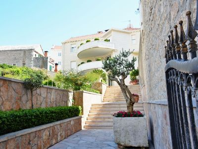 Photo for In the center of Pučišća with Internet, Air conditioning, Terrace, Balcony (740021)