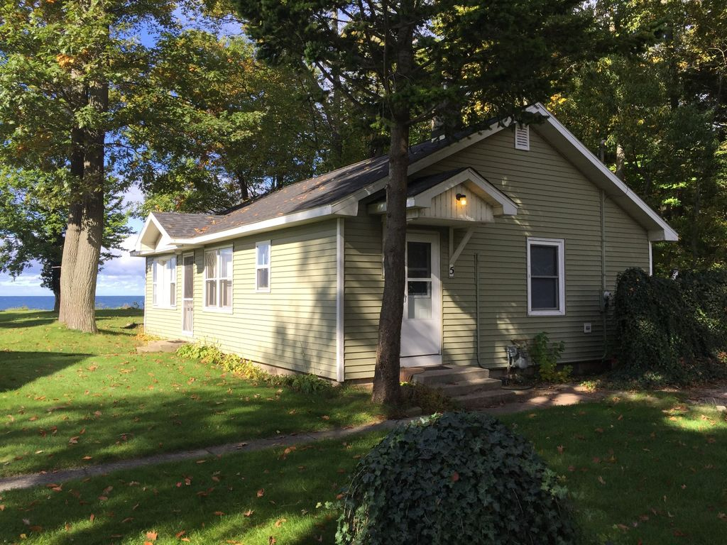 Sunset beach cottages 5 lake michigan sh homeaway for Muskegon cabin rentals