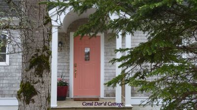 Photo for Adorable & Affordable Cape Cod. Steps from Harbour and the Village of Chester