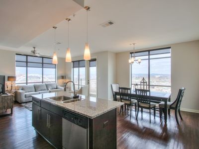 Photo for Luxurious Downtown top Floor Corner unit 2 bed 2bath-City and River Views-Corner Unit-#520