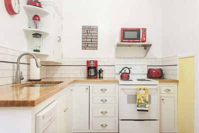 Beautifully updated kitchen with all the amenities.