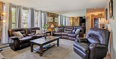 Photo for Mtn Chic condo - sleeps 7, Clubhouse with pool/hot tubs, wood fireplace, 2 parking spaces