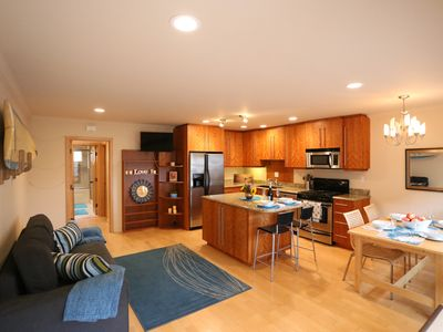 Photo for Beach Haven - Luxury Condo- Professionals & Family Friendly