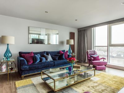 Photo for St George's Wharf  - luxury 3 bedrooms serviced apartment - Travel Keys