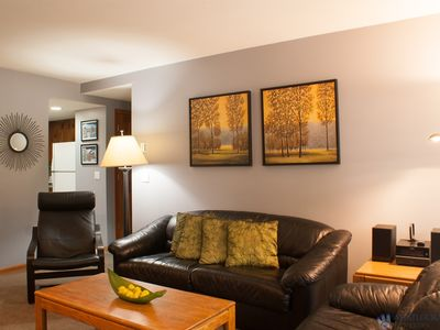 Updated Stoney Creek Condo in Whistler Village. Great Pool & Hot Tub Area.