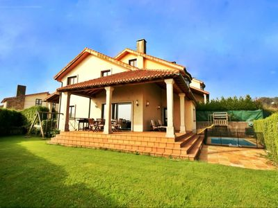 Photo for Spectacular villa in Santiago de Compostela with pool