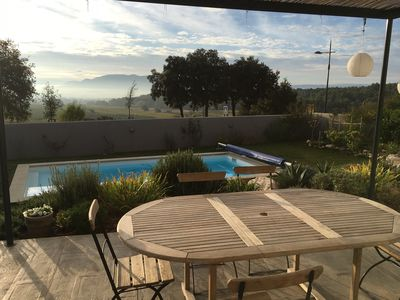 Photo for Villa 7 pers. Aix-en-Provence, swimming pool / pool house in Sainte-Victoire
