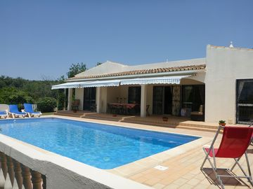 Delightful villa with private pool and stunning country views