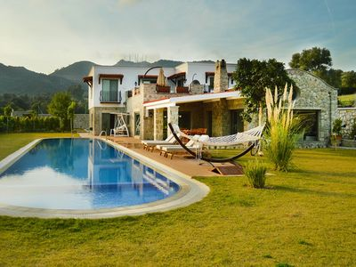 Photo for Ortakent Yahsi 4 Bedroomed Stone House with Private Pool.This secluded holiday villa is a good choice for anyone seeking private accommodation within close proximity to the lively town of Ortakent Beach and its wide selection of shops and restaurants (5 m