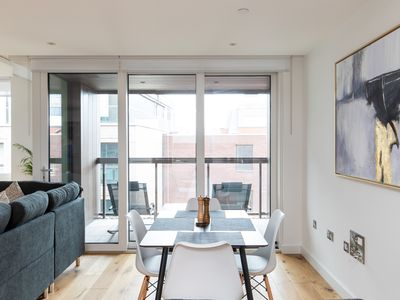 Photo for Luxurious Family Apartment Near Buckingham Palace with Parking and Gym