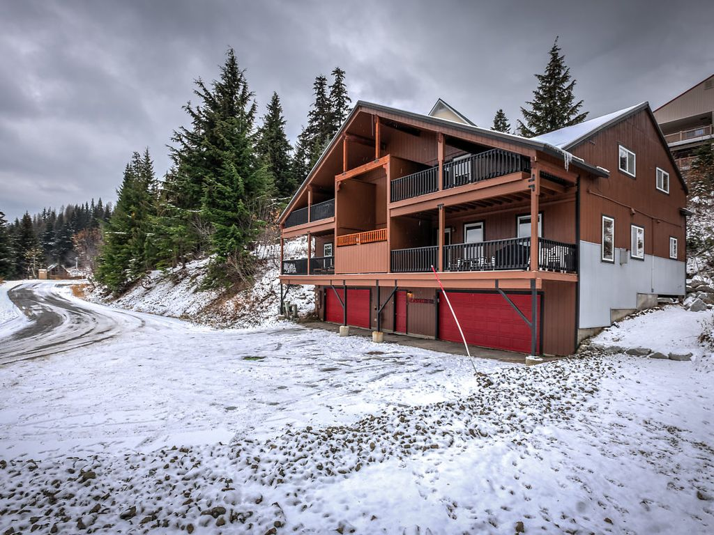 large and well appointed. steps to lift, sl - vrbo