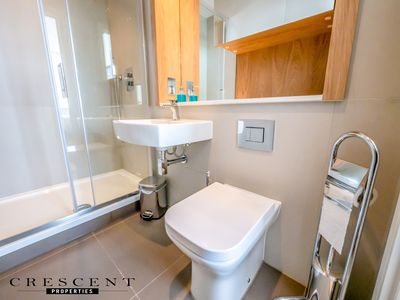 Photo for Stunning Slough Apartment