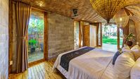 This villa was beautiful, the outdoor bathrooms were really nice. The beds were comfortable and