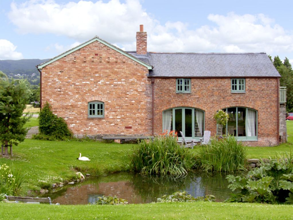 The Coach House Pet Friendly With Pool In Bodfari 1964104