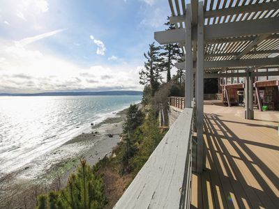 Photo for Sprawling watefront home with breathtaking ocean views and secluded atmosphere!