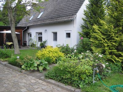 Photo for Lovely holiday house in the Spreewald directly on a typical Spreewald flow
