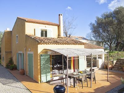 Photo for Provencal house, 200m from the sea, pool, park