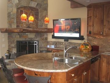 LOCATION! LOCATION!!! Ski In-Out, Ski Trails Condo Very Near N'star Vill, Wi-Fi
