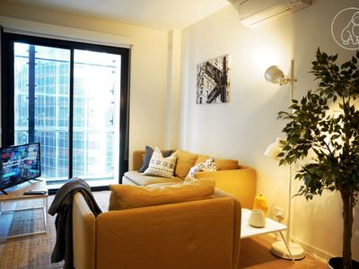 Photo for Donkey Kong Short Stay <Family Choice> - Melbourne CBD 2 BR APT w Rooftop Pool