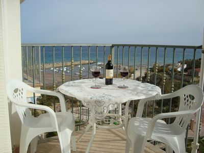 Photo for Apartment with BEAUTIFUL SUN TERRACE 1st line, beach around the corner, Costa Blanca