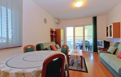 Photo for Apartment in the center of Barbat with Internet, Air conditioning, Parking, Terrace (213651)