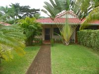 The villa was beautiful. It was well cared for, comfortable and very close to all amenities.