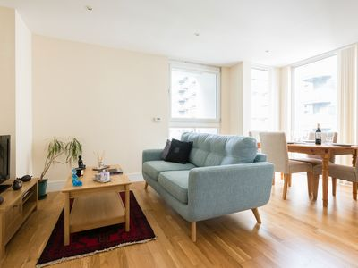 Photo for 2 Bed Flat | Canary Wharf | Isle Of Dogs