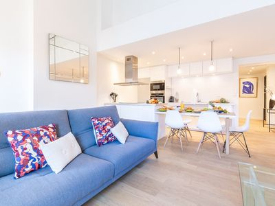 Photo for Superb apartment renovated nine steps from the old port, the historic center, the Mucem and the ...