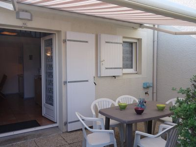 Photo for One bedroom Villa, sleeps 4 in Vaux-sur-Mer with Pool and WiFi
