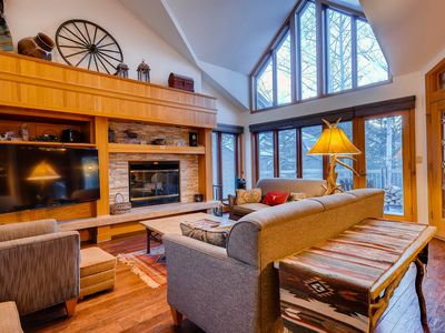 Photo for Tastefully Decorated 2 Bedroom Condo with UNREAL PRIVATE HOT TUB!