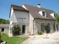 Great gite in the country surrounded by fields and vineyards.