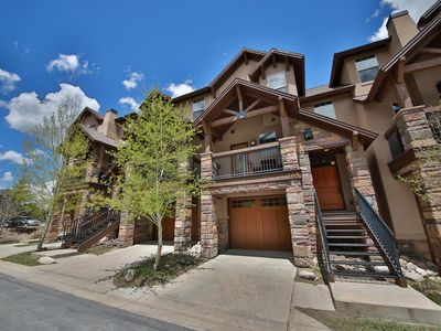 Photo for Wonderful townhouse in perfect downtown location - walk everywhere!