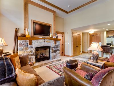 Photo for Ski-in/ski-out lodge with room for four, cozy fireplace & shared hot tub!