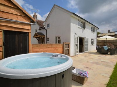 Photo for 4 bedroom Cottage in Cerne Abbas - 75327