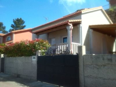 Photo for Comfortable beachfront house with lovely sea views.