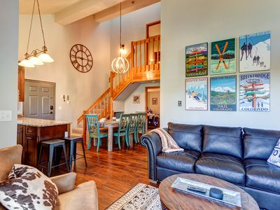 Photo for Fall foliage pricing! SKI-IN, SKI-OUT 4 BR condo, perfect location, and VIEWS!