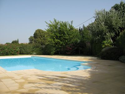 Photo for Rent with swimming pool, near Baux de Provence, in the natural park of Alpilles