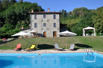 Photo for Filicaia - Country house, large private pool. WIFI. Walk to river.