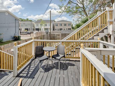 Photo for Dog-friendly Victorian townhouse w/ porch & deck, 2 blocks from Forsyth Park!